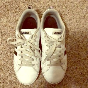 Adidas women shoes size 7 1/2